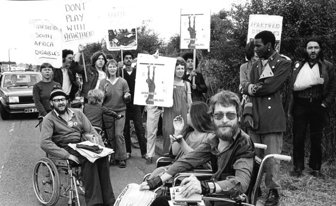 Disabled AAM supporters picket