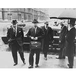 pic7106. PW Botha at the Ministry of Defence, Whitehall